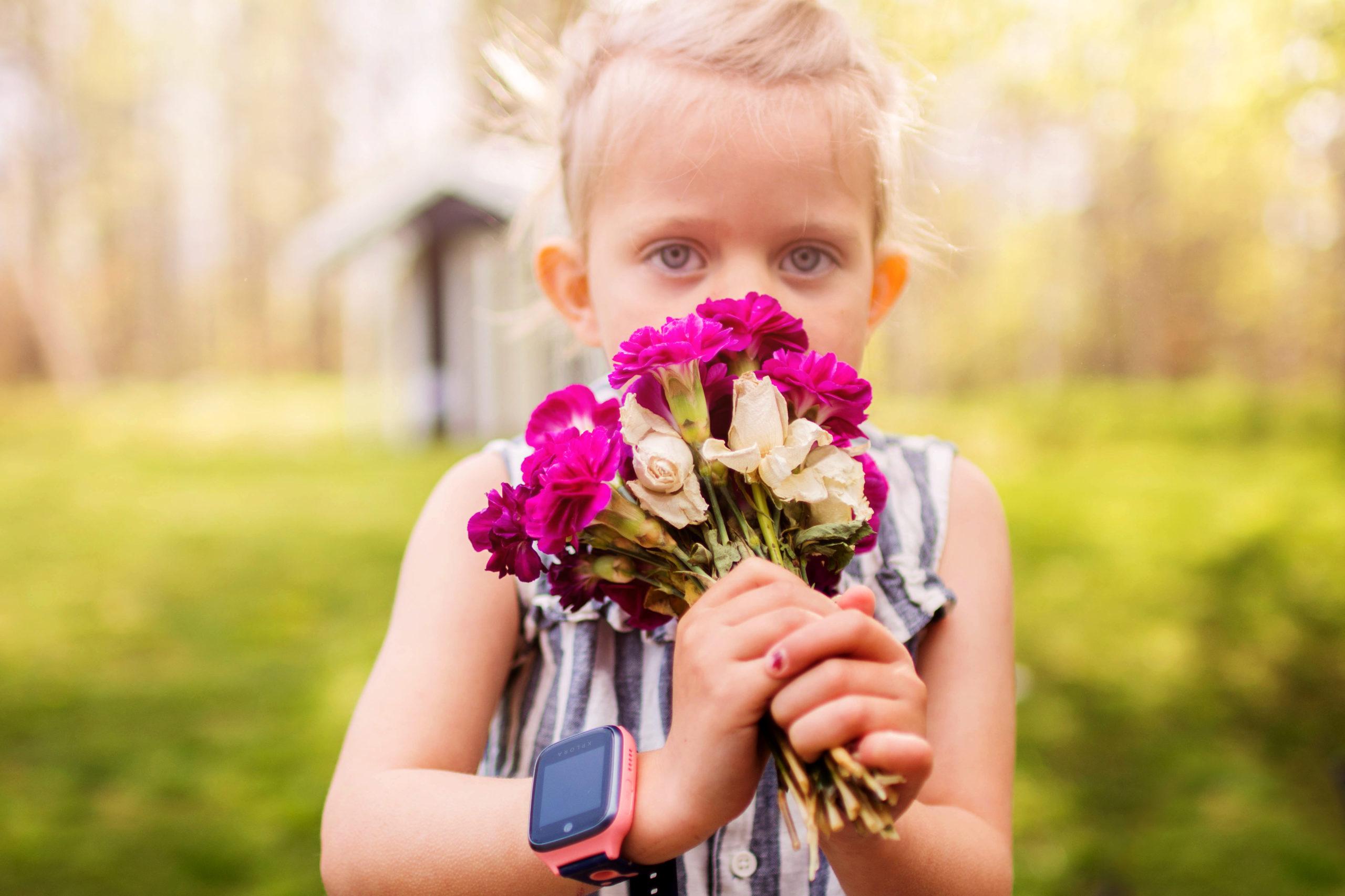 barn-med-blomster-xplora