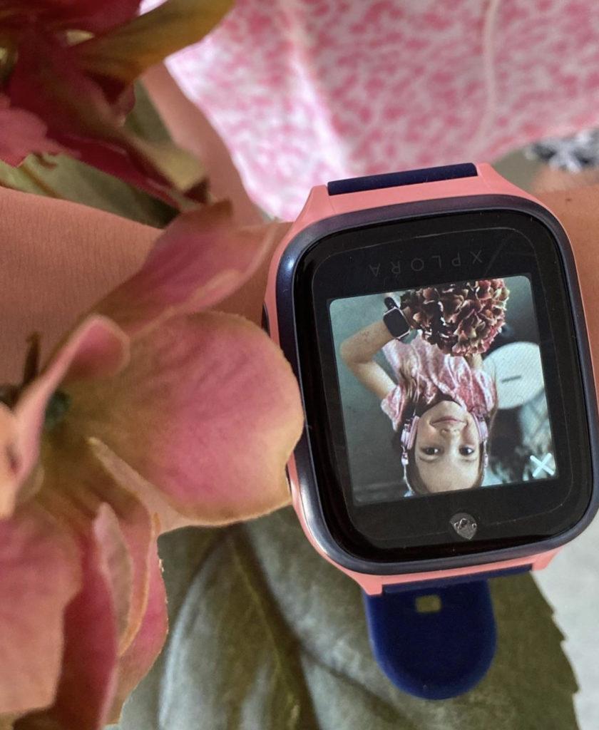 En jente har tatt selfie med sin XPLORA telefonklokke
